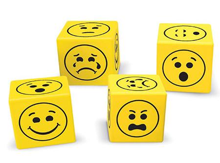 Zachte Dobbelsteen met Emoties   spel accessoires   joeppiewinkel