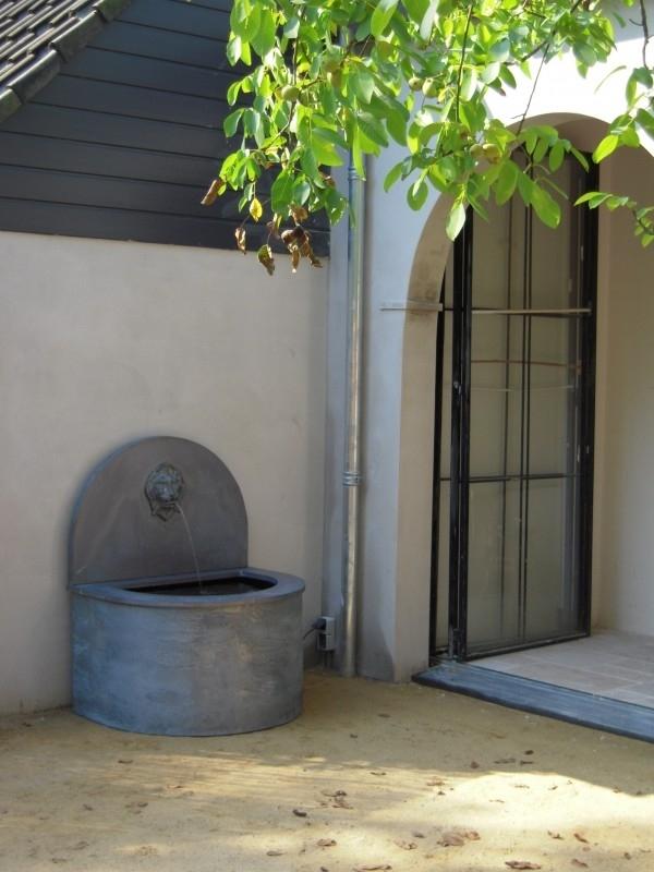 Fountain model Well, beautiful detail in your garden.