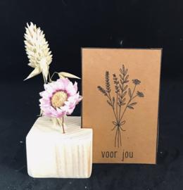 kaartblok met droogbloemen