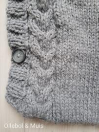 Gebreide trappelzak / voetenzak grijs