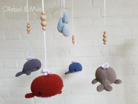 Muziekmobiel walvisjes met blauwe druppels
