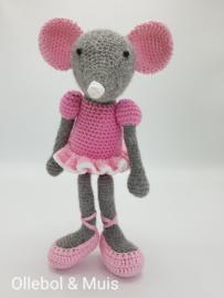Crochet mouse / ballerina mouse