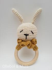 Rammelaar / bijtring konijntje goudkleurig kraagje