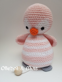 Music box pink penguin