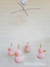 Music mobile Ollebol & Muis pink ducks