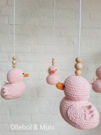 Muziekmobiel Ollebol & Muis met roze eendjes