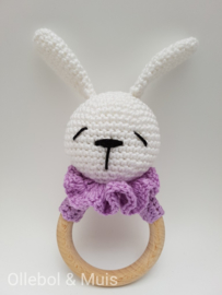 Rammelaar / bijtring konijntje paars kraagje