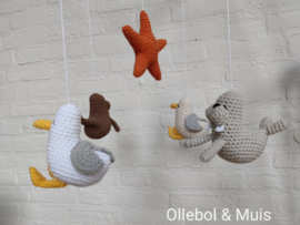 music mobile seagull, seal and starfish