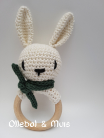 Rammelaar / bijtring konijntje creme wit