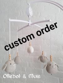 Custom order muziekmobiel 4 vogeltjes met wolkje