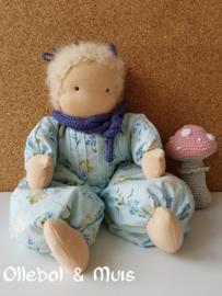 Soft doll / baby doll blond hair