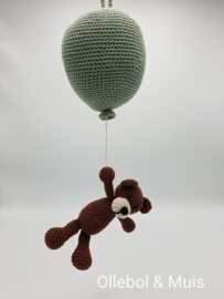Music box hot air balloon with little bear