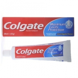 Colgate Tandpasta in doosje Fluoride 100ml