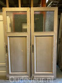 nr. 1476 2 gelijke antieke deuren
