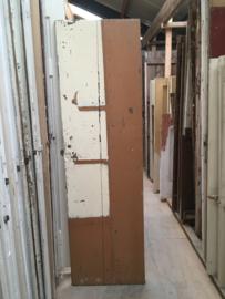 nr. 4113 opgeklampt deurtje