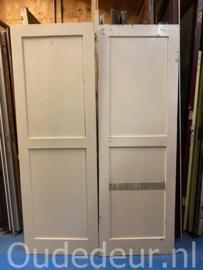 nr. 76O twee oude kastdeuren