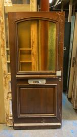 nr. v134 hardhouten voordeur met geel glas