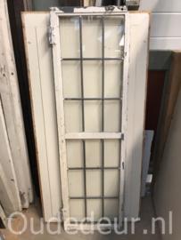 nr. GL411 stalen raam met glas in lood