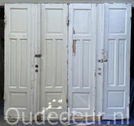 nr. set898 antieke deuren met houtsnijwerk (nog 1 set)
