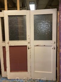 nr. 1487 serie gelijke oude deuren met glas