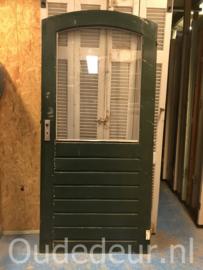 nr. a135 oude voordeur met ronde bovenkant