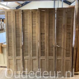 nr. L76 8 gelijke louvre deuren , kaal gemaakt