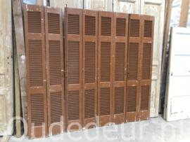 nr. L509 serie bruine louvre deuren