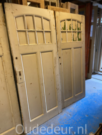 nr. 1478 vier antieke deuren met ruitjes