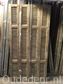 nr. L25 set van 16 gelijke oude louvre deuren