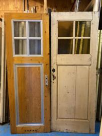 nr. 1039 oude deuren met een vlak en vier ruiten