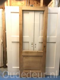 nr. 1069 geloogde glas deur