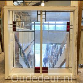 nr. r350 glas in lood raam in kozijn