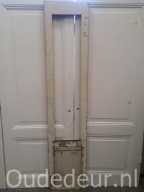 nr. 1214 smal oud deurtje