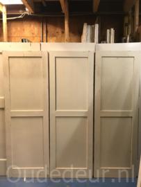 nr. 1O serie van zes oude antieke kastdeuren