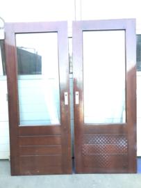 nr. a6 gebruikte buitendeuren/ schuurdeuren 83x201