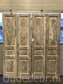 nr. set705 nog een set oude deuren half geloogd