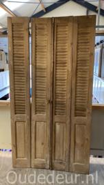 nr. L71 set van vier oude louvre luiken