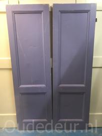 nr. 1 4 twee gelijke oude kastdeuren met ruwe zijde
