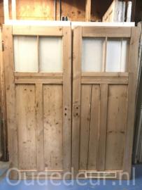 nr. 1078 twee oude geloogde deuren
