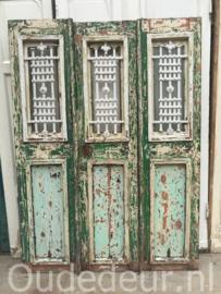nr. set906 set van drie oude voordeuren met staal