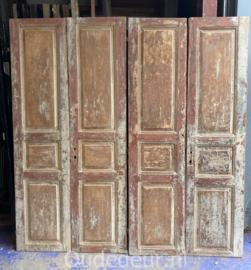 nr. set636 twee sets deuren met oude verf