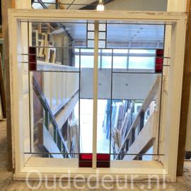nr. r349 glas in lood raam in kozijn