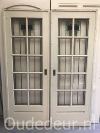 nr. e262 setje glas in lood deuren