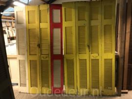 nr. L573 serie van 8 gelijke oude louvre deuren