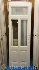 nr. 2382 oude deur met rooster bovenin