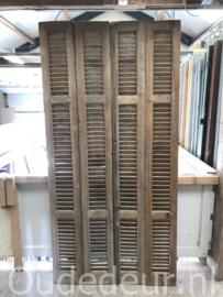 nr. L72 serie van 8 oude louvre luiken