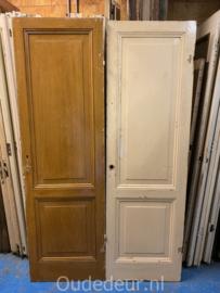 nr. 1i twee oude kastdeuren