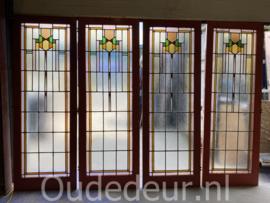 nr, GL583 nog drie gelijke deuren met glas in lood