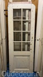nr. 2389 oude deur met ruitjes