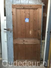 nr. 4202 oude opgeklampte deur